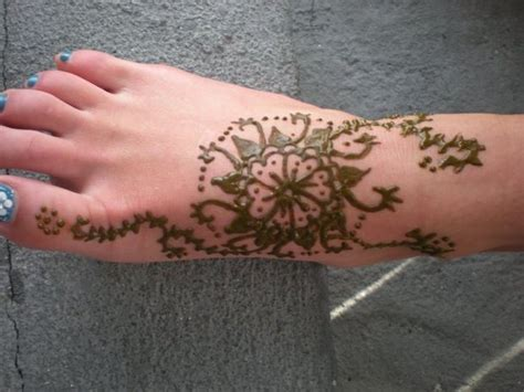 What Soap Use On Tattoo henna paste  apply  skin 620 x 465 · jpeg