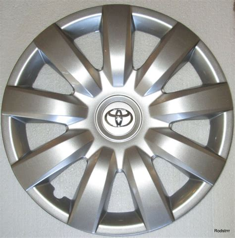 Toyota Hubcaps by Set Of Four 4 15 Quot Toyota Camry Hubcaps 2004 2005 2006