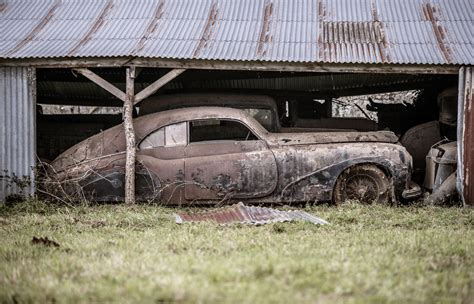 Cars Found In Barn by 18 Million Worth Of Classic Cars Found In A 100 Year