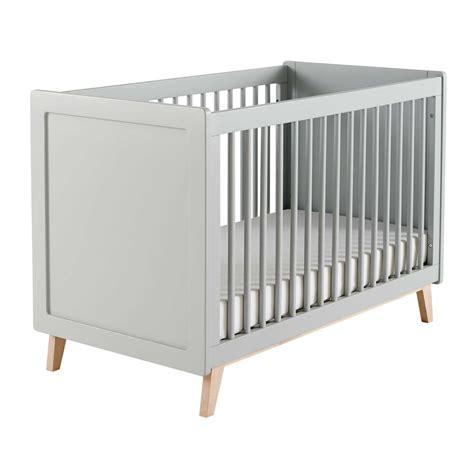 personnaliser sa chambre lit bébé à barreaux en bois gris l 126 cm maisons