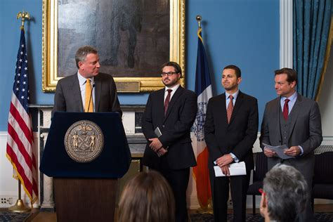 mayor de blasio appoints advisors  leadership city