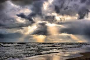 cielo nuvoloso moke
