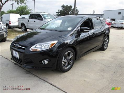 2014 Ford Focus SE Sedan in Tuxedo Black photo #3   108959