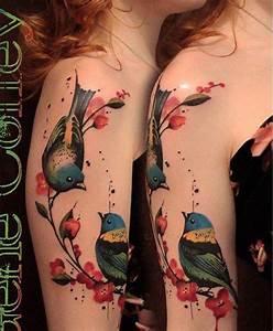 Tattoos Für Frauen Arm : motive mit blumen und v geln am oberarm eternal ideas pinterest am tattoos and body art ~ Frokenaadalensverden.com Haus und Dekorationen