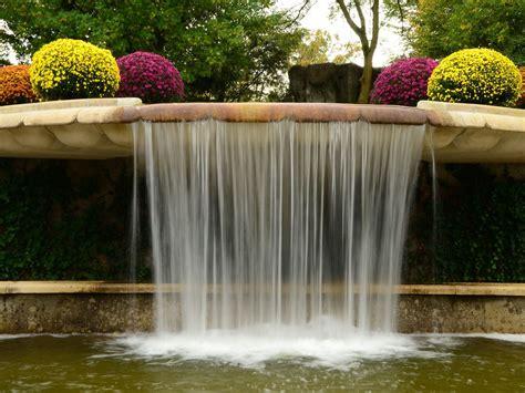 Garten Kaufen Tipps by Wasserfall Im Garten Als Brunnen Tipps Zum Selberbauen