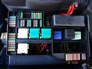 2007 Bmw 328i Fuse Box Location