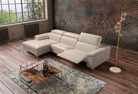 Divano Moderno Habart In Pelle Sofa Club Montebelluna
