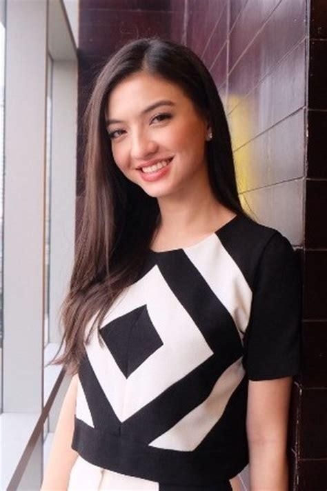 Tips Wanita Ingin Hamil 24 Busana Casual Cantik Raline Shah Ide Model Busana