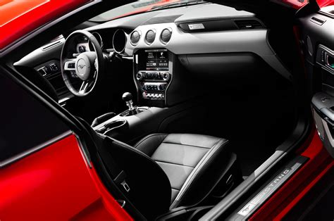 mustang interior images 2015 ford mustang look photo gallery motor trend