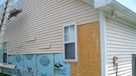 Tips For Replacing Vinyl And Aluminum Siding