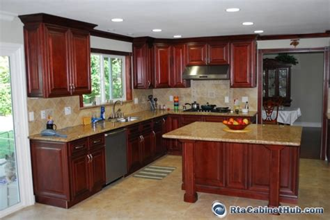 mahogany maple kitchen cabinets mahogany maple rta cabinet hub cayenne cognac 7323