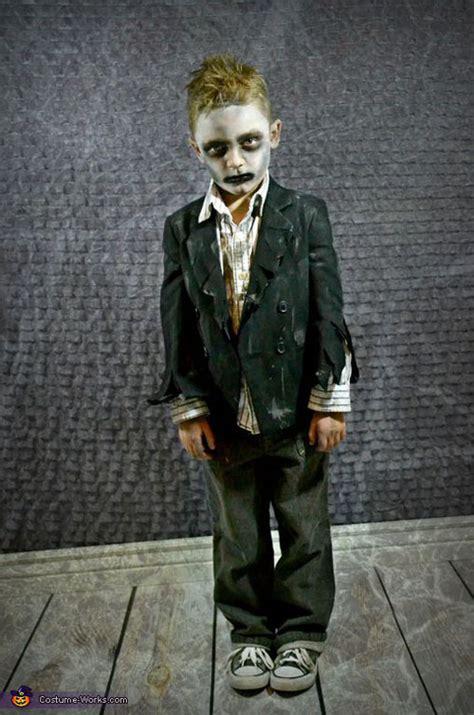cool zombie halloween costume  makeup ideas easyday