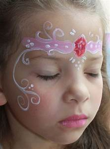 Maquillage Enfant Facile : grimage de princesse prenez un maquillage de princesse ~ Melissatoandfro.com Idées de Décoration