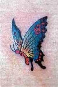 Kleiner Schmetterling Tattoo : schmetterling tattoo kostenlose tattoovorlagen libelle tattoo libellen t towierungen ~ Frokenaadalensverden.com Haus und Dekorationen