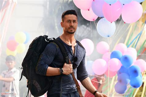 trailer rs baaghi 2 2018 hd still image 12 bollywoodmdb