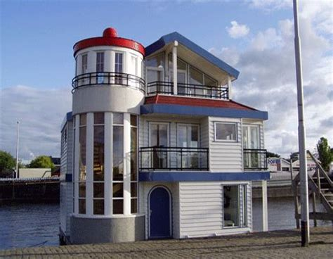 Houseboat Zillow by 83 Best Images About Houses Of The Future On