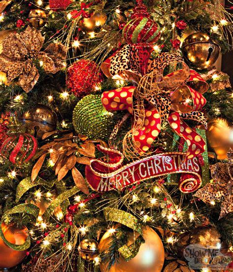 christmas decorations show me decorating