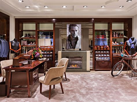 massimo dutti madrid sol y massimo dutti opens its flag ship concept store in madrid with sol bike