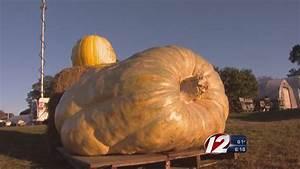 World Record Pumpkin Grown In RI - YouTube