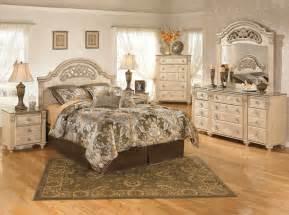 Ashley Furniture Saveaha Panel Bedroom Set Best Priced