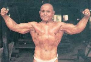 A 100 Year Old Bodybuilder  7 Pics