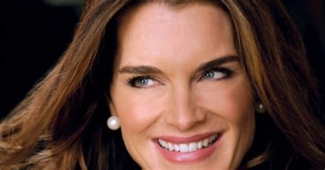 hairstyles   year  brooke shields hairstyle