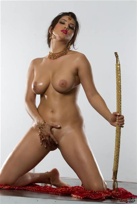 Boom Boom Sunny Leone Most Beautiful Sexy And Nude Photos