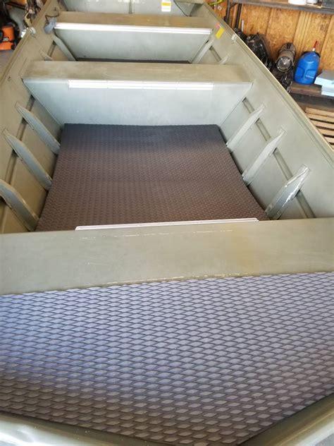 Aluminum Jon Boat Floor by Jon Boat Floor Mat Waterfowl Boats Motors Boat Blinds