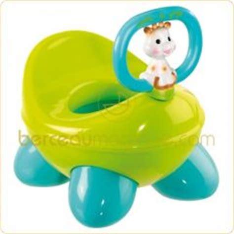 bebe et le pot pots et toilettes pour b 233 b 233 accessoires pour l apprentissage de la propret 233 de l enfant