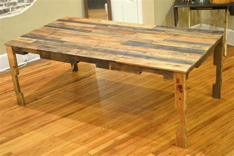 shipping pallet dining table  paths  startled