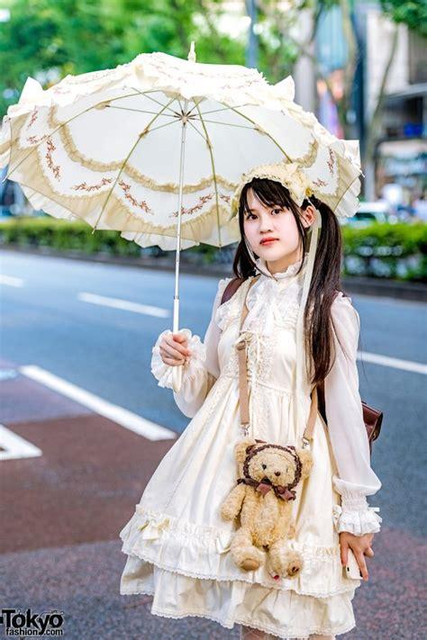 japanese lolita fashion ruffle parasol tokyo fashion