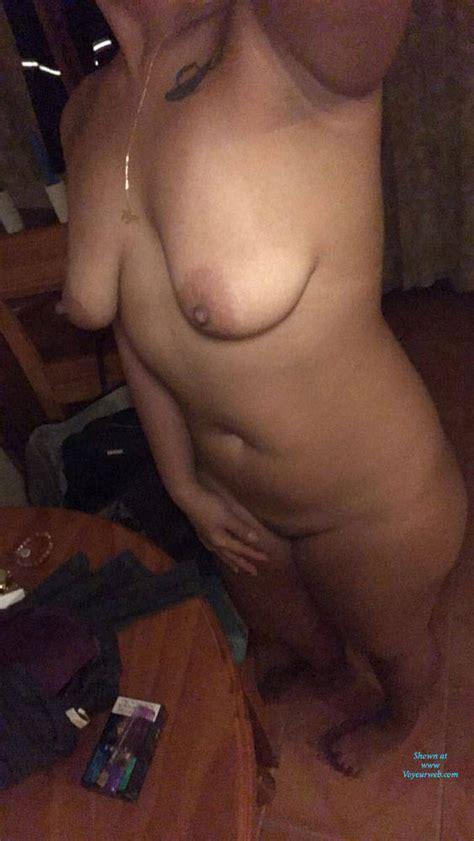 Asian Wife Posing December 2017 Voyeur Web