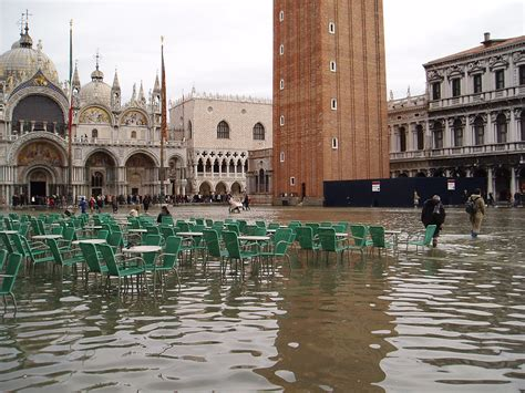 Venice In November Acqua Alta Risk Suitcasejournal