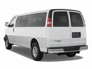 Image  2010 Chevrolet Express Passenger Rwd 3500 155 U0026quot  Ls