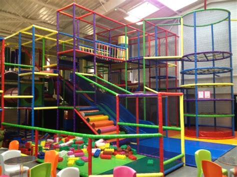 happy park aire de jeux pour enfants  pontivy