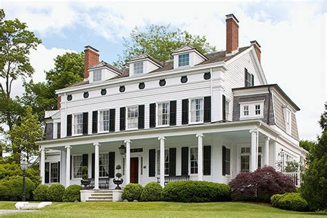 classic house great color traditional home