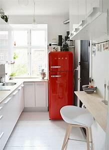 Kleine Küchen Mit Essplatz : kleine k che einrichten und mit ein paar tricks personalisieren k hlschrank esstische und rot ~ Bigdaddyawards.com Haus und Dekorationen