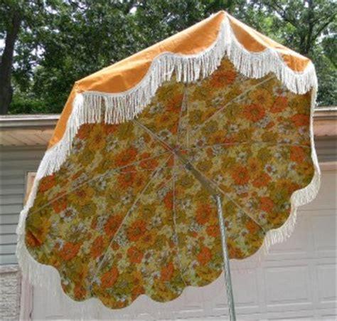 vintage 50s 60s outdoor patio table umbrella orange floral