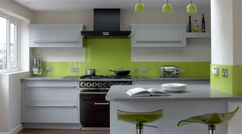 cuisine blanche et verte tendance cuisine 50 exemples avec la couleur grise