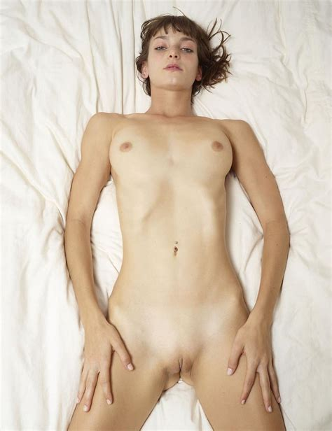 Kelly Khumalo On Stage Naked