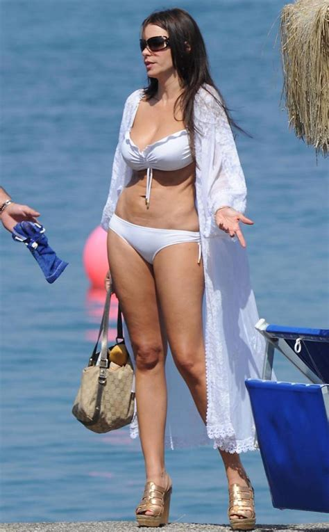 hot mama from sofia vergara 39 s bikini pics e news