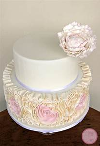 Wedding Cakes {Veluz Bride Photoshoot} - CakeCentral.com