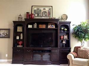 Entertainment center decorbird cage decorating for Decorating entertainment center ideas