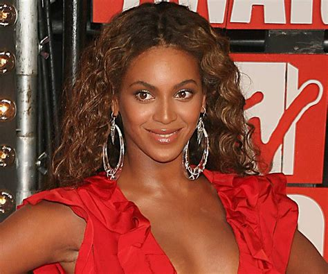 Beyonce Knowles Biography - Childhood, Life Achievements ...