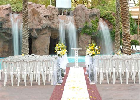 crescendo pool wedding chapel   flamingo hotel