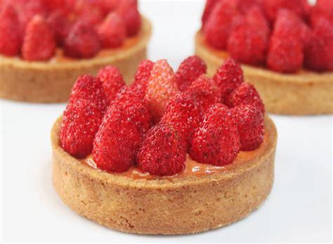 la cuisine de aux fraises la cuisine de bernard tartelettes aux fraises des bois