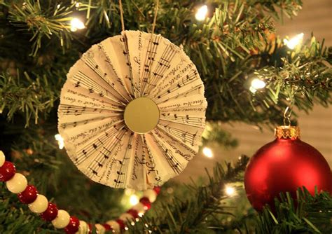 paper thrifty paper christmas crafts