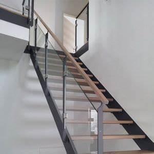 Stahltreppe Mit Holzstufen : pin von auf treppen stairs ladder und house ~ Orissabook.com Haus und Dekorationen