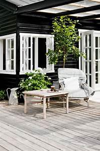 Pouf De Jardin : comment choisir une table et chaises de jardin ~ Teatrodelosmanantiales.com Idées de Décoration