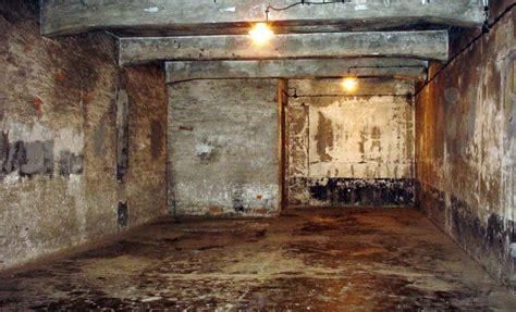 chambre a gaz auschwitz dé des chambre à gaz jean le pen condamné à
